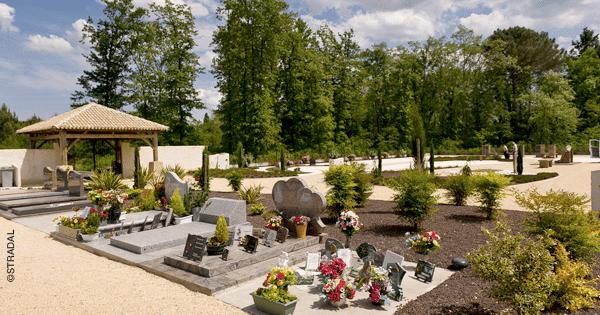 accès au cimetière hauteur du portail et largeur des allées. Stradal